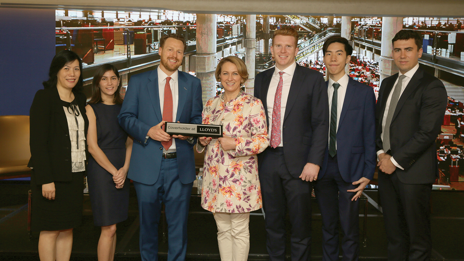 Circles Group Asia, the Asia Pacific operation for Circles Group, proudly received their Lloyd's Coverholder official plaque at the Lloyd's Day on 5 April in Hong Kong. <br>