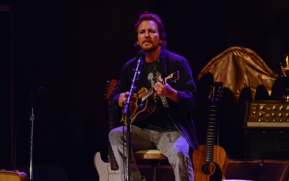 Eddie Vedder, do Pearl Jam, anuncia dois shows solo em São Paulo em março<br>