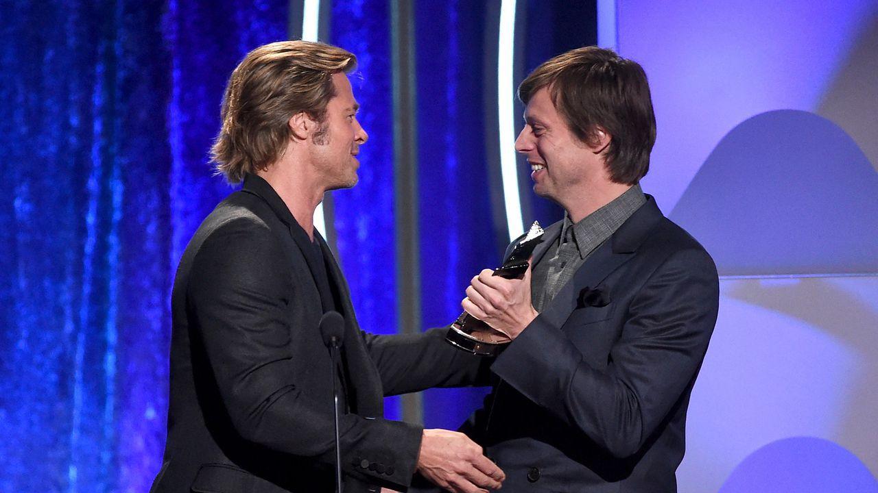 """Felix Van Groeningen gelauwerd door Brad Pitt tijdens Hollywood Film Awards: """"Surreëel om tussen alle groten te staan"""""""