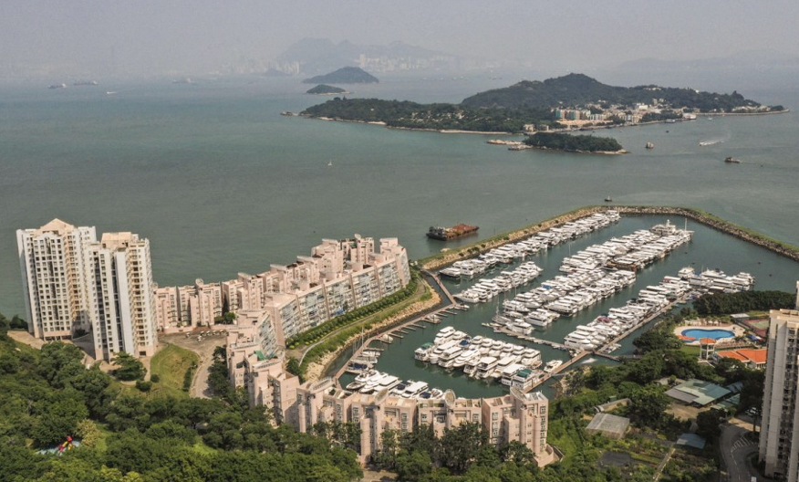 Hong Kong burglar prises open safe and nabs 15 watches and cash worth HK$330,000 from property in Discovery Bay.