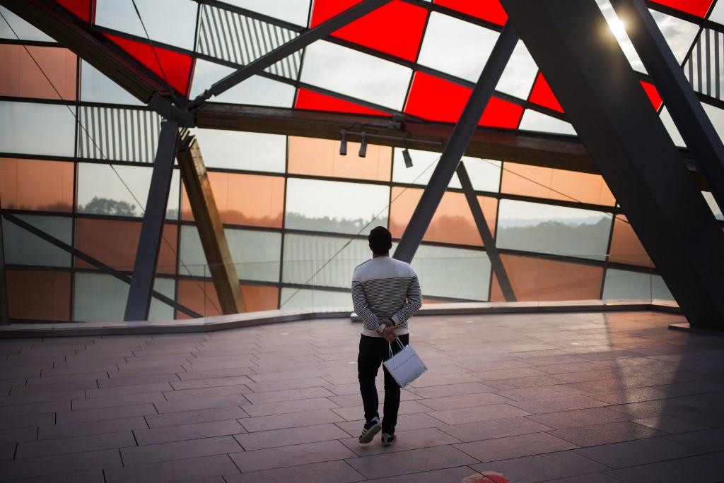 <div>Knife attacker badly damages artwork at Paris' Pompidiou Centre</div>